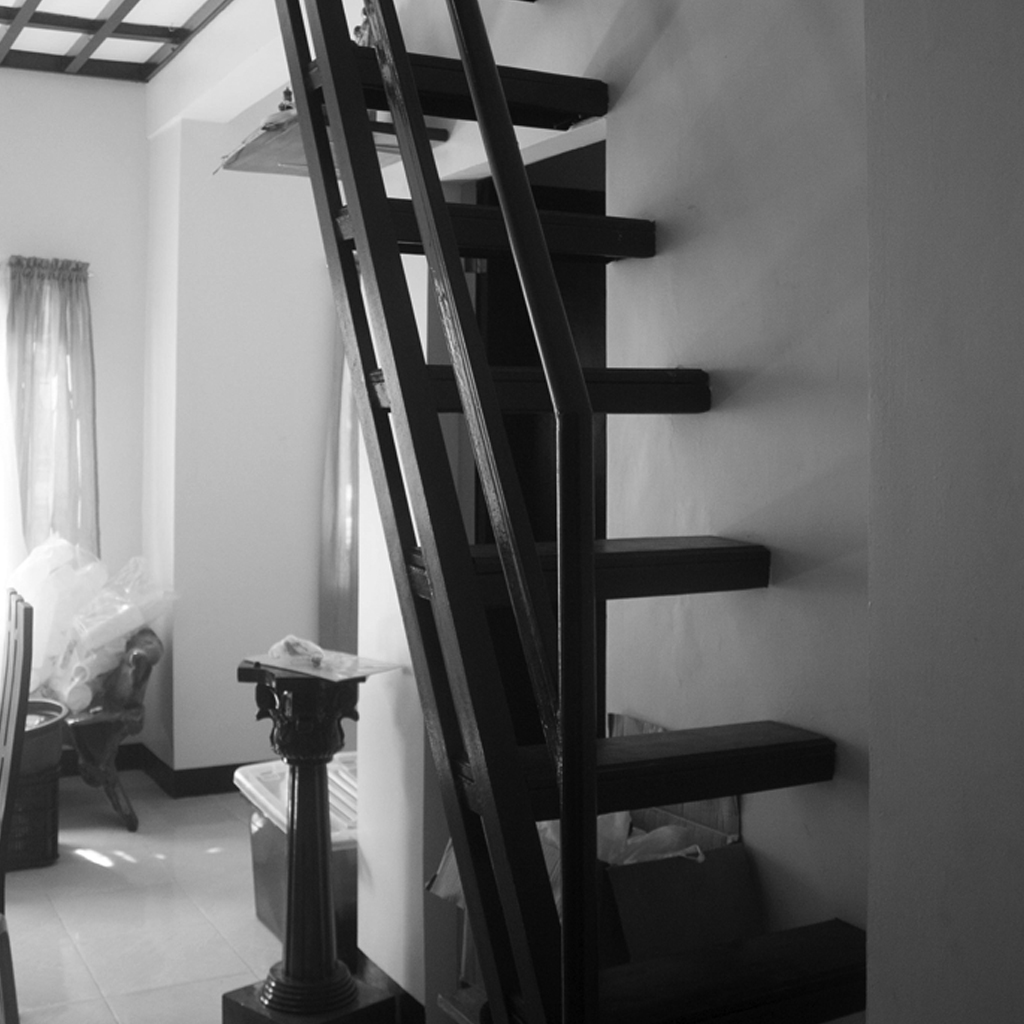 Why Direction of Doors & Stairs Should Face Right in The Philippines