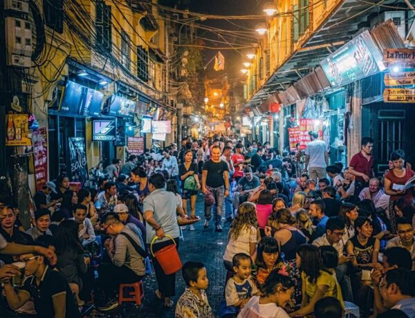bia hoi vietnam drinking culture