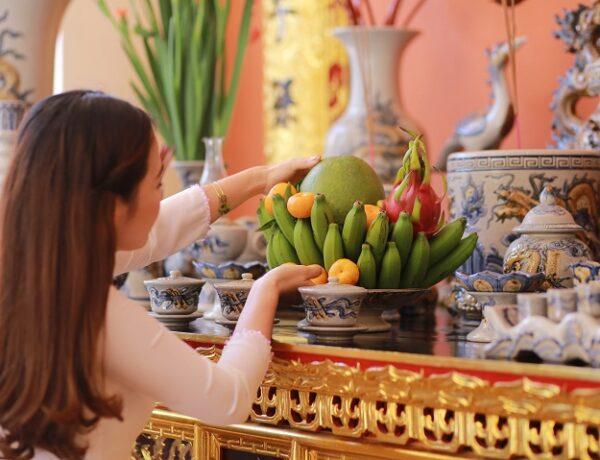vietnamese ceramic worshipping ancestors
